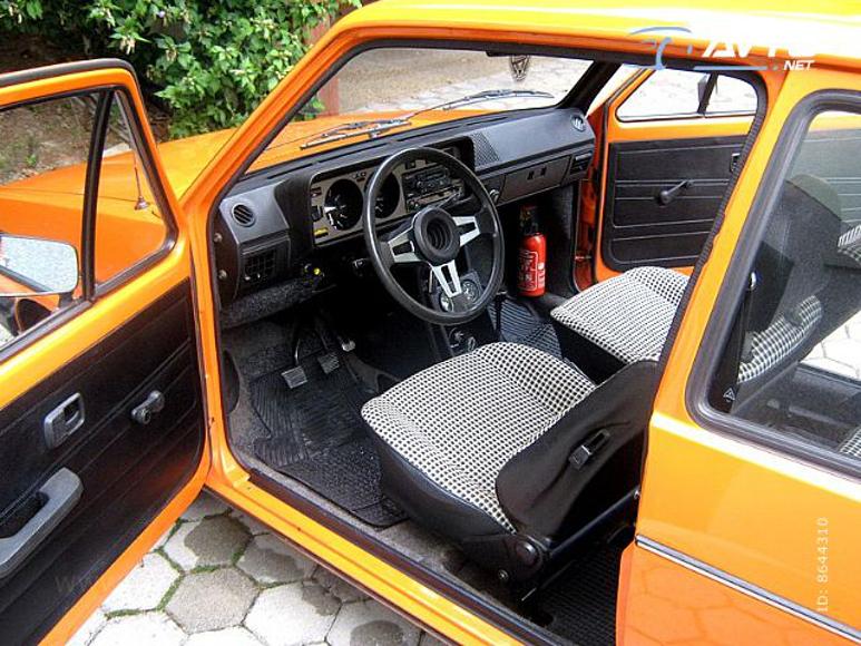 1979-VW-Golf-2990E-04