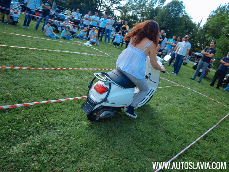 on-the-road-to-beo-vespa-2014-03