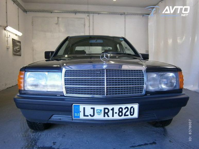 1985-Mercedes-W201-200-1700E-02