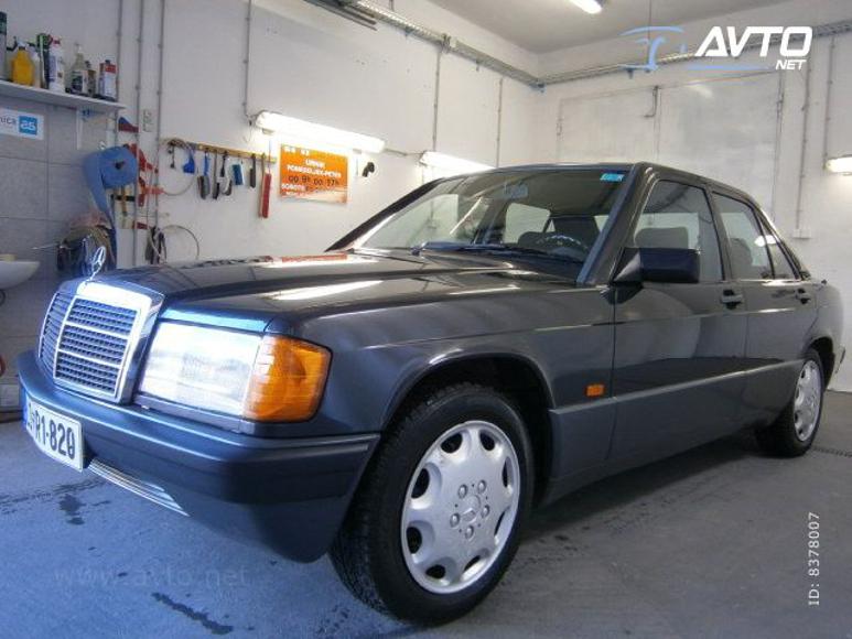 1985-Mercedes-W201-200-1700E-03