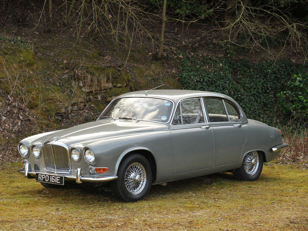 Jaguar-420-AutoWP