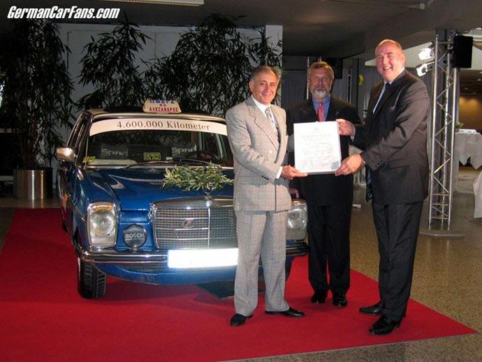 mercedes-benz-w114-taxi-4600000km