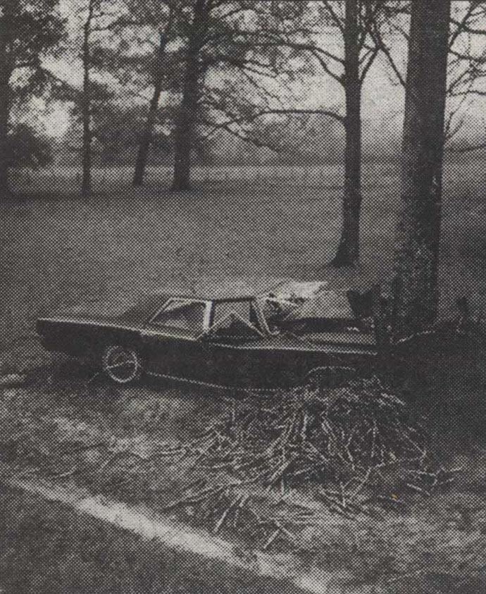 crni-oldsmobile-na-ibarskoj-magistrali-01