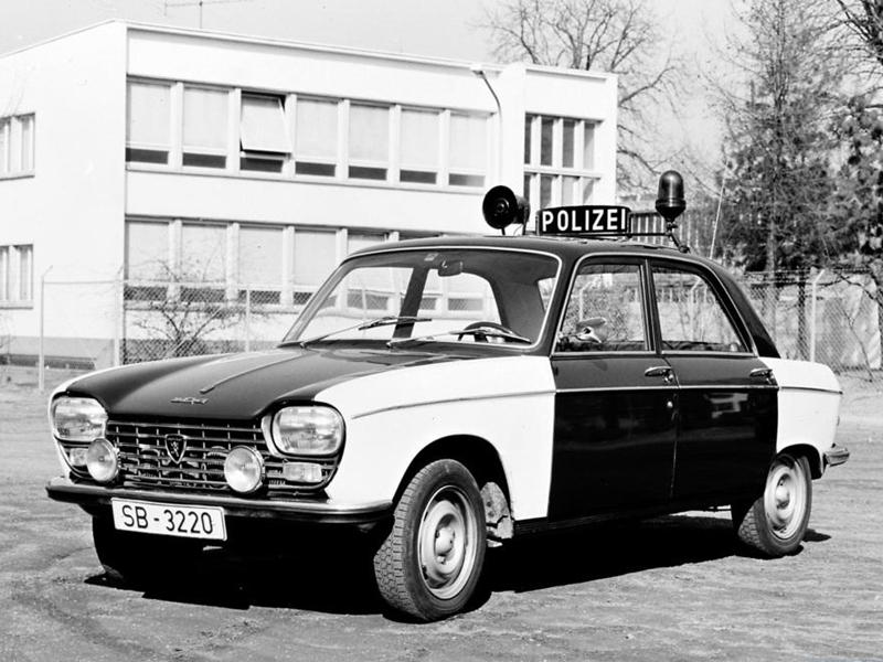 Policijski Peugeot 204