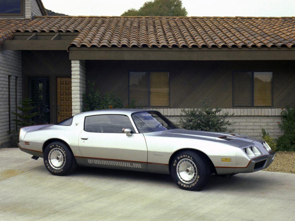 1979-Pontiac-Firebird-Formula-AutoWP