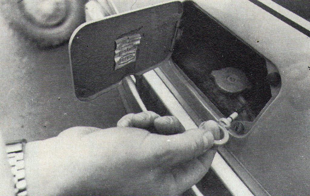 Podesno: ispod poklopca na nosu vozila krije se otvor hladnjaka i kontrolni štap za ulje