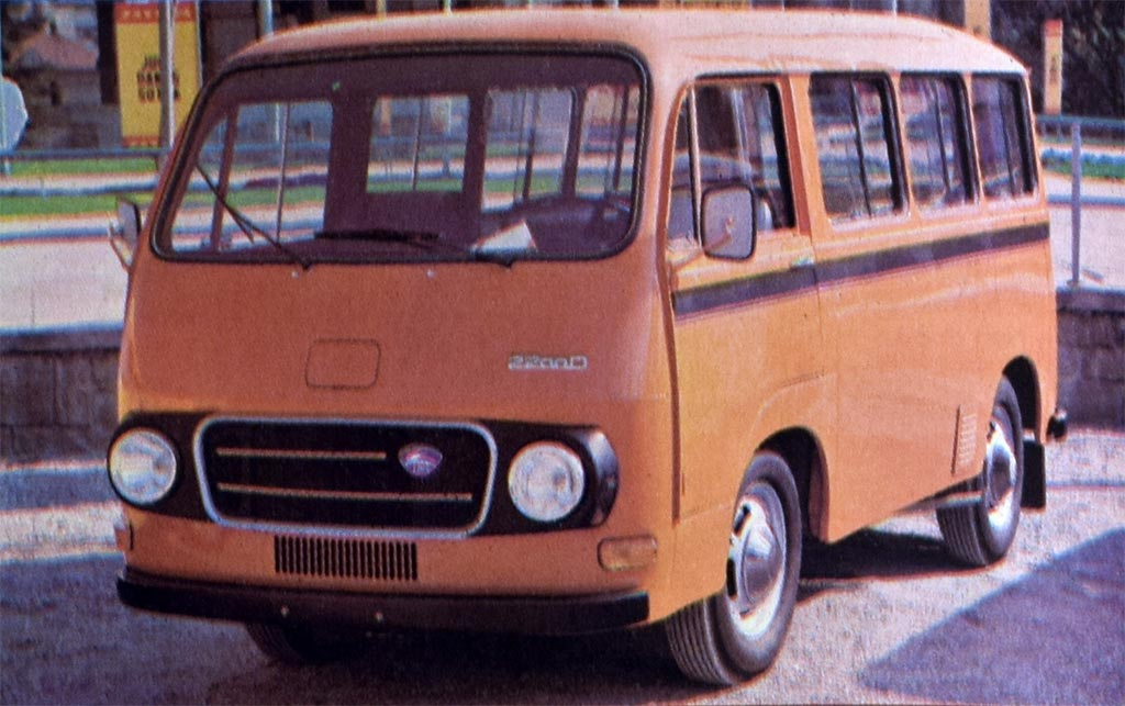 Mini-bus iz Novog Mesta sa ulepšanom karoserijom i dizel motorom.