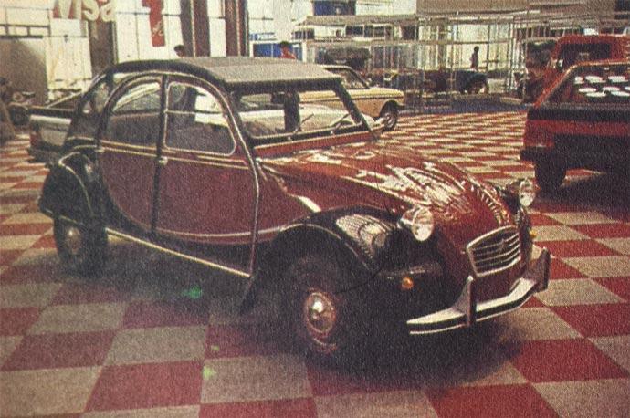 Citroen 2CV 6 Čarlston je sada - posle mnogo godina - na raspolaganju Cimosovim kupcima. Reč je o večitoj mladosti, nešto malo mašte pri bojenju spoljašnosti, a u osnovi o automobilu koji je rođen pre skoro četrdeset godina.