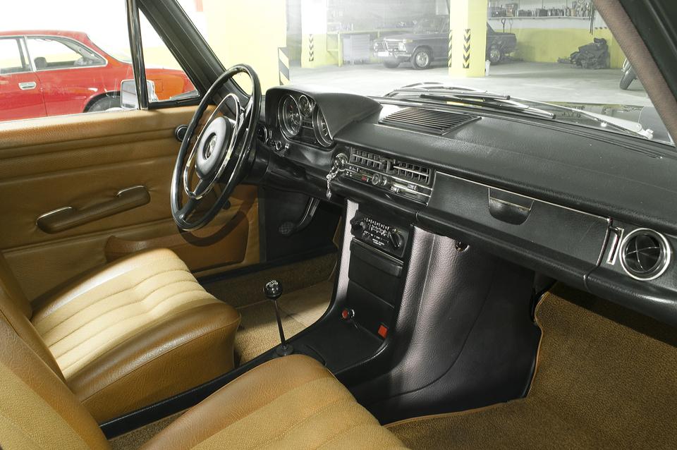 mercedes-benz-w115-generacija-1968-strich-acht-06