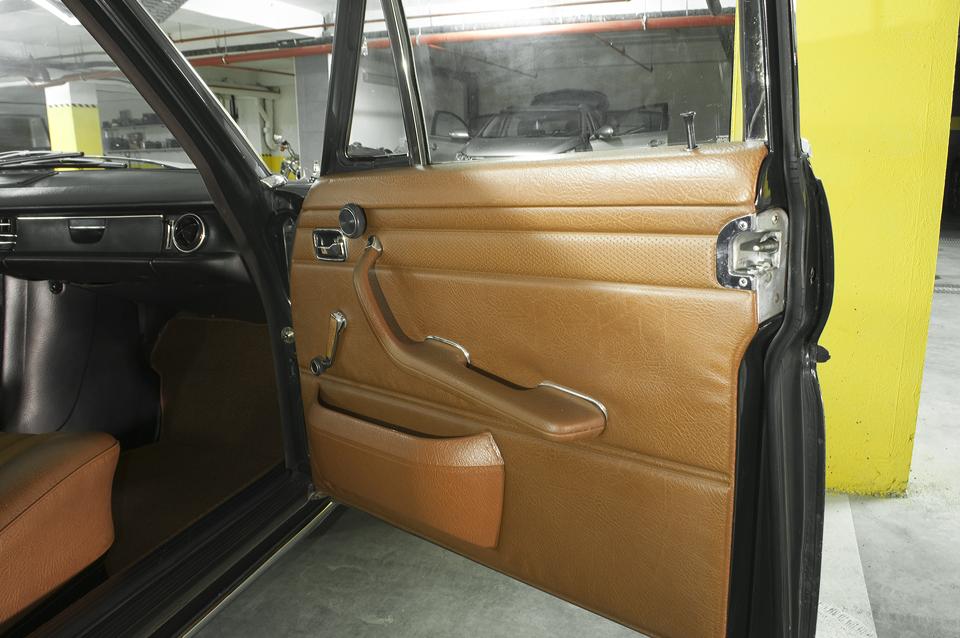 mercedes-benz-w115-generacija-1968-strich-acht-08